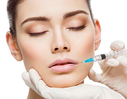 Injections d'acide hyaluronique pour les lèvres - Dr Runge Paris 7 Beauvais